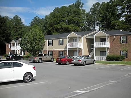 Photo: Dalton Apartment for Rent - $715.00 / month; 3 Bd & 1 Ba