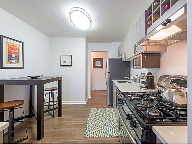The amberleigh apartments fairfax va 22031 for Academie de cuisine bethesda md