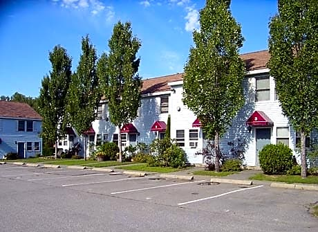 Photo - Apartment in Bangor- $740.00 / month; 2 Bd & 1 Ba