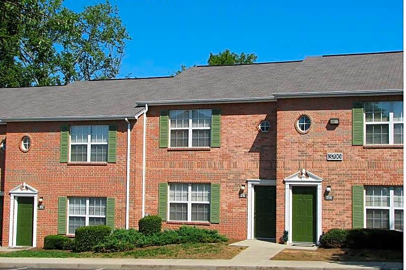 The Pointe Apartments State College