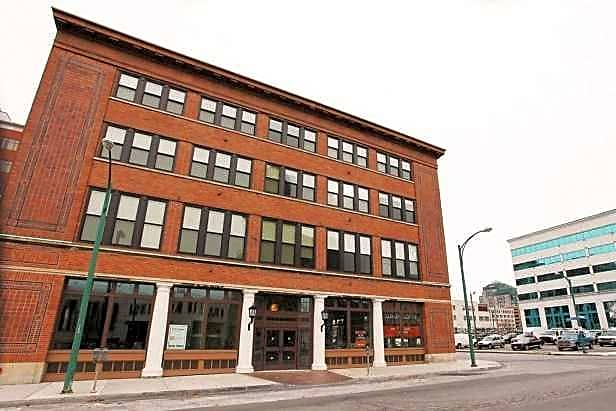Apartments Near D'Youville 100 South for D'Youville College Students in Buffalo, NY