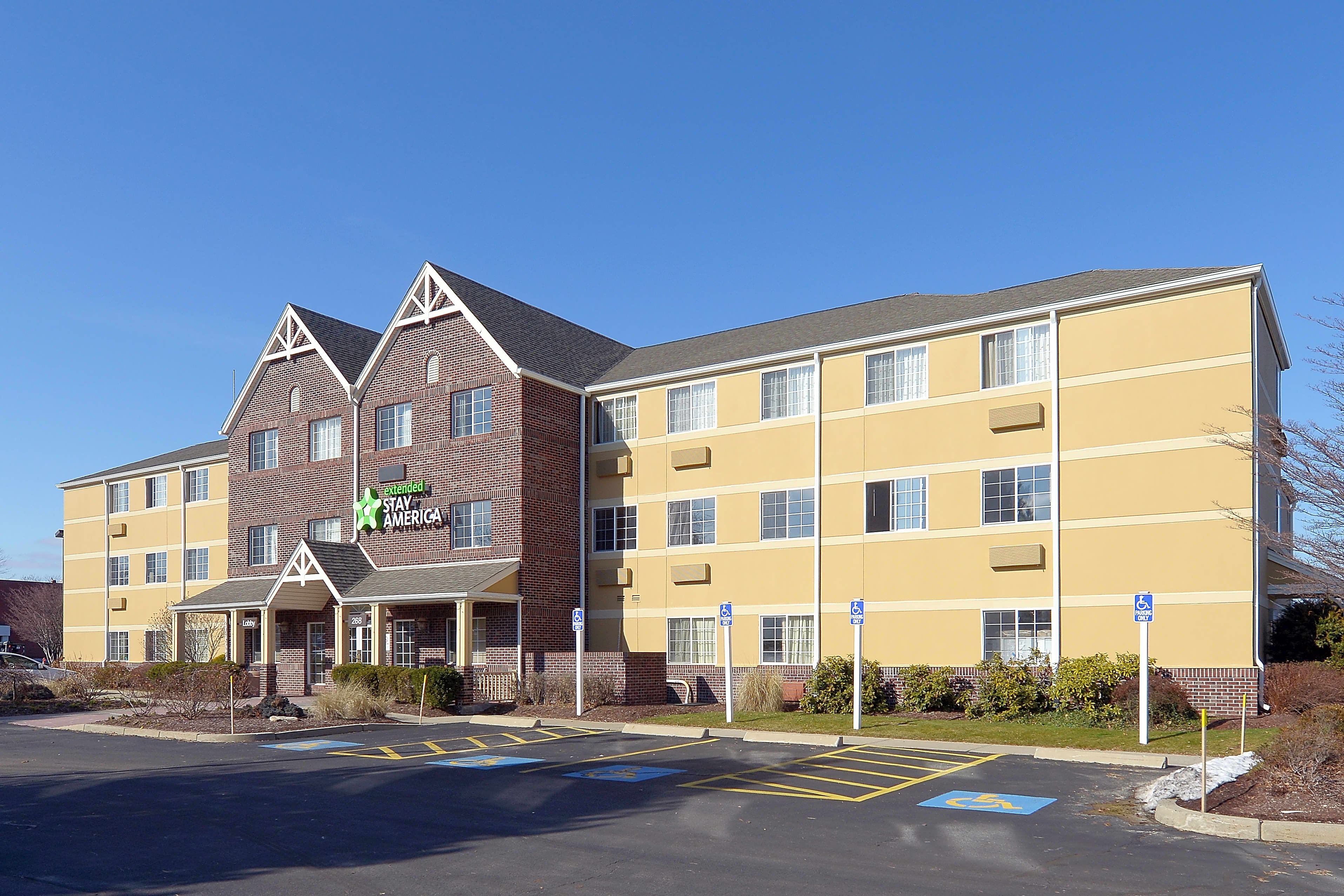 Apartments Near New England Tech Furnished Studio - Providence - Airport for New England Institute of Technology Students in Warwick, RI