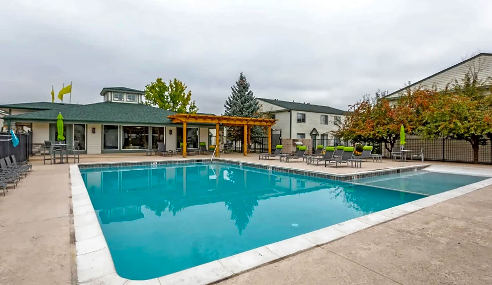 Stratus Townhomes
