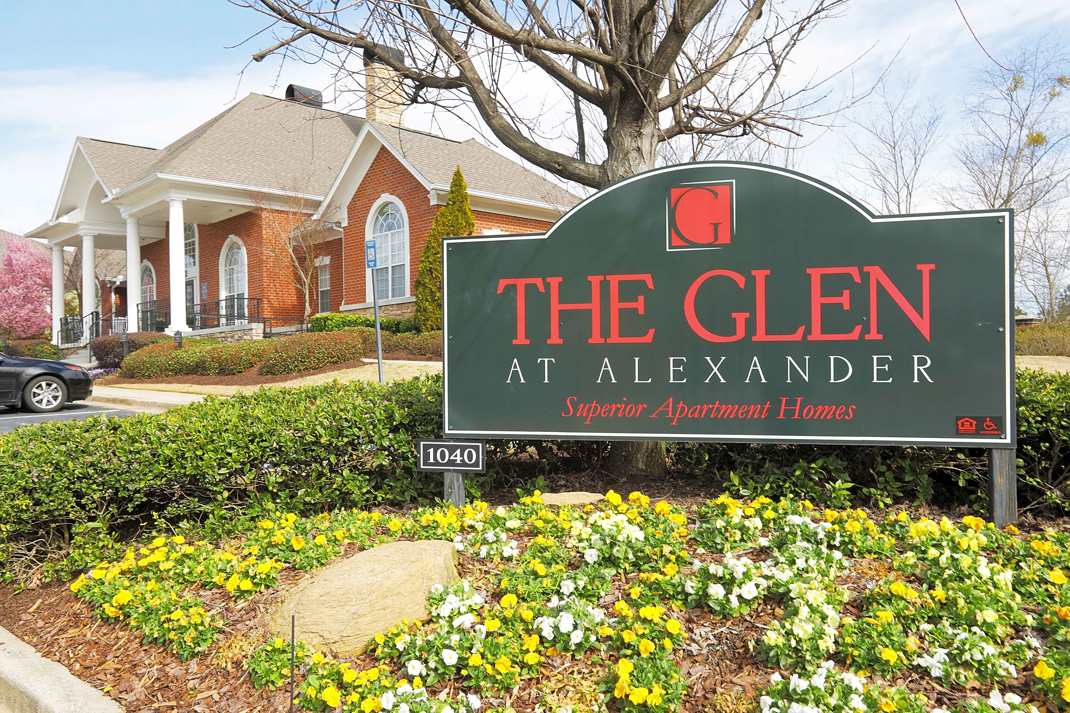 Apartments Near MCG The Glen at Alexander for Medical College of Georgia Students in Augusta, GA