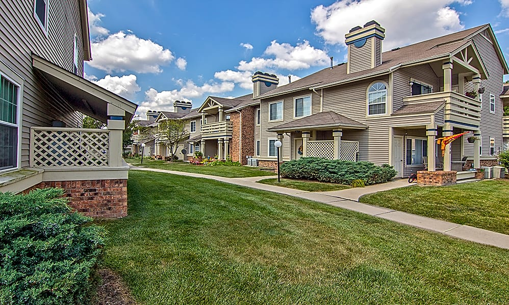 Apartments Near BGSU Perry's Crossing for Bowling Green State University Students in Bowling Green, OH