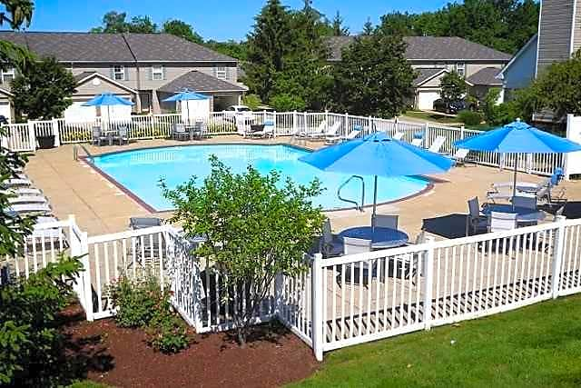 Apartments Near Kent State Mannington Place Townhomes for Kent State University Students in Kent, OH