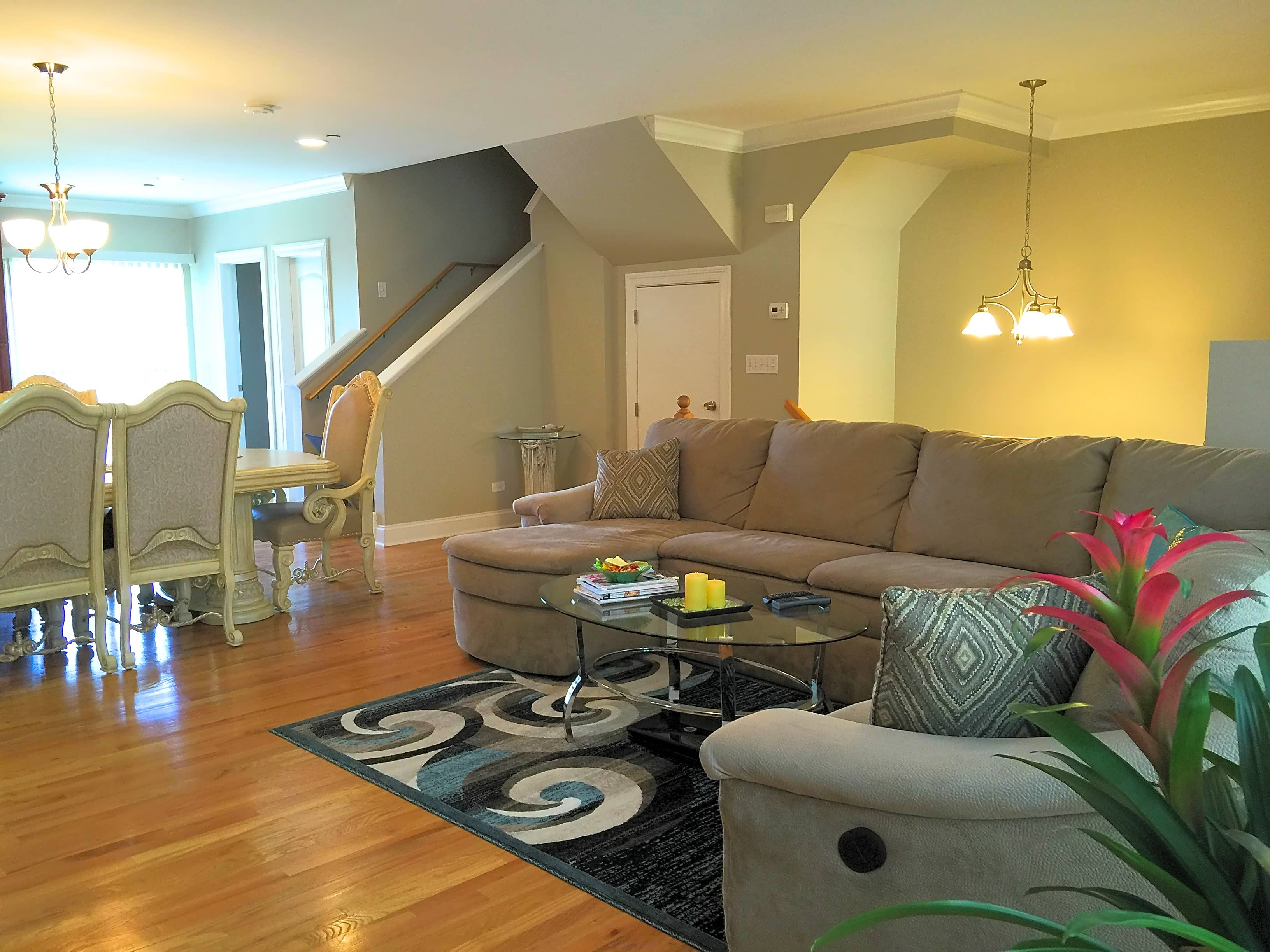 Nicest townhouse in the nw suburbs 2 car garage for 1 lincoln center oakbrook terrace il