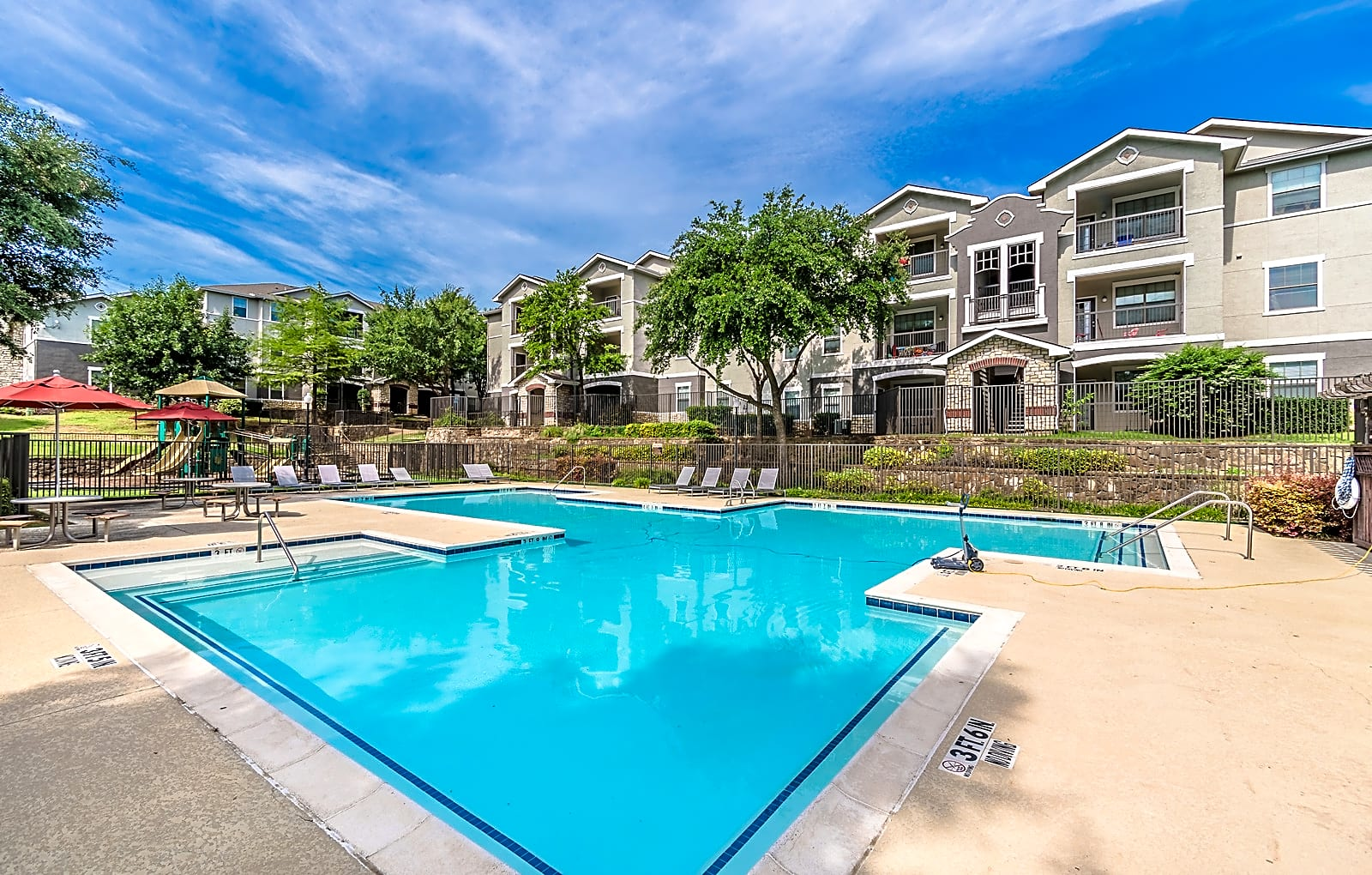 Apartments Near Eastfield College  Signature at Southern Oaks for Eastfield College  Students in Mesquite, TX