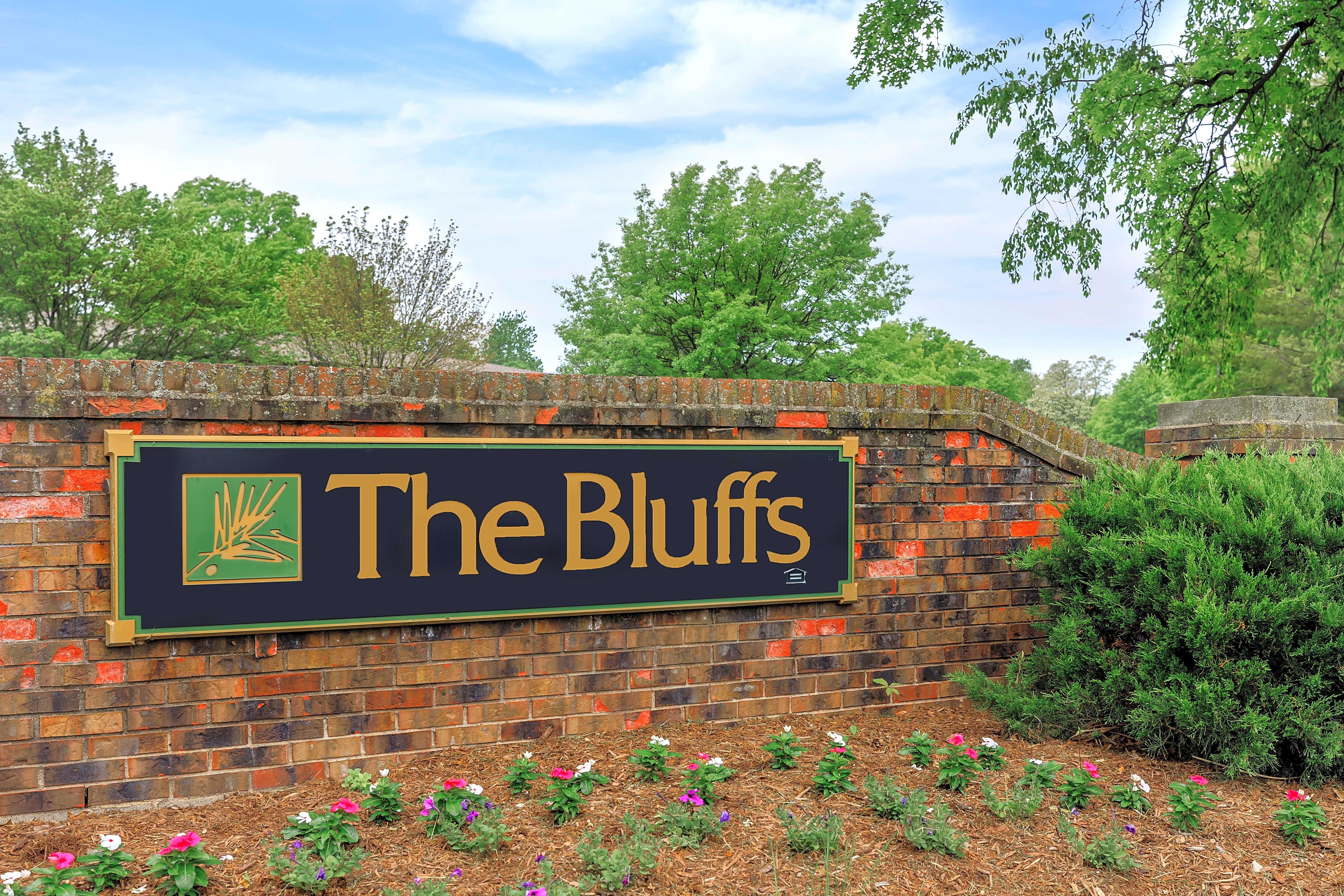 Apartments Near Tricoci University of Beauty Culture-Lafayette The Bluffs for Tricoci University of Beauty Culture-Lafayette Students in Lafayette, IN