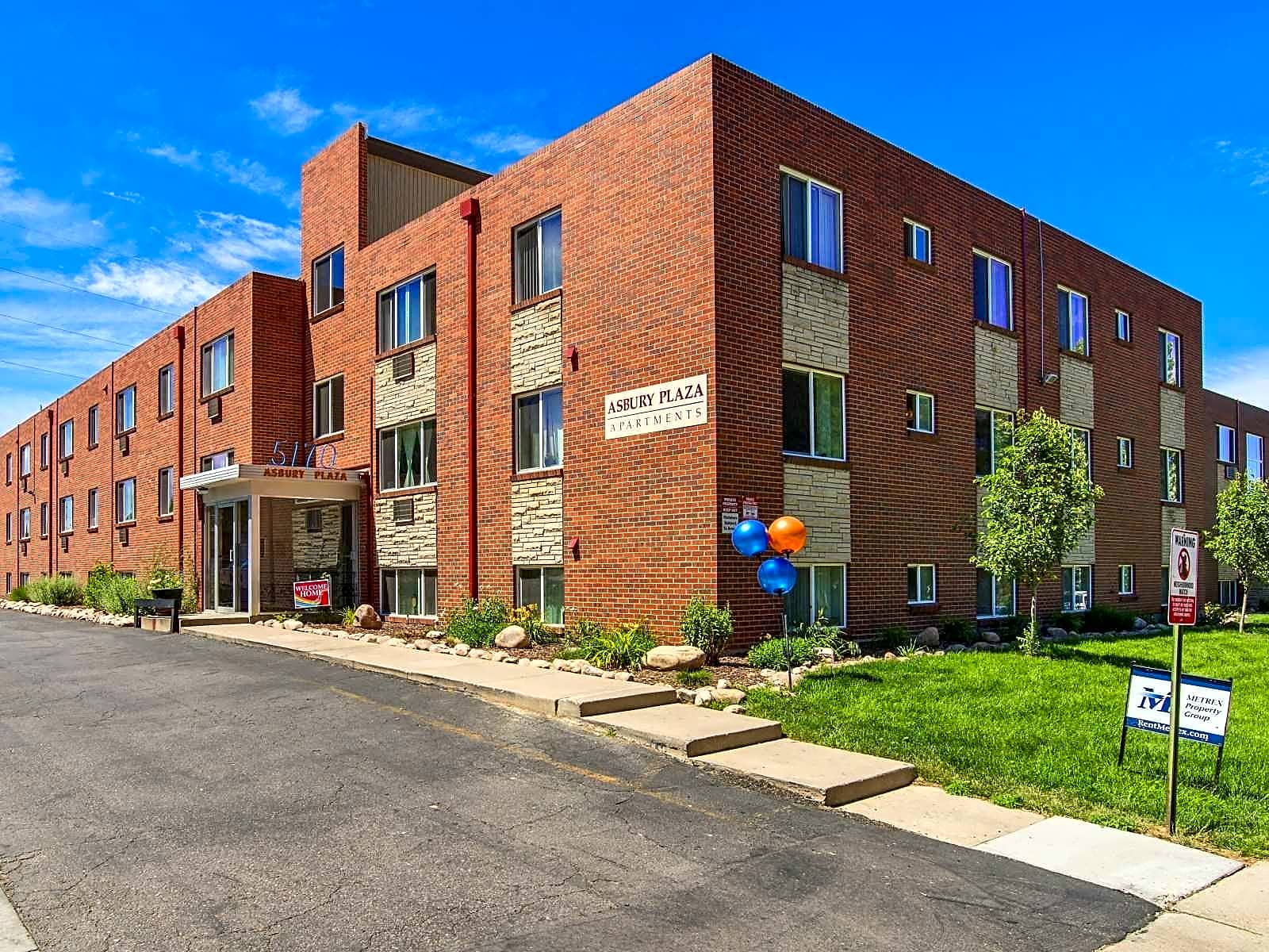 Apartments Near Westwood Asbury Plaza for Westwood College Students in Denver, CO