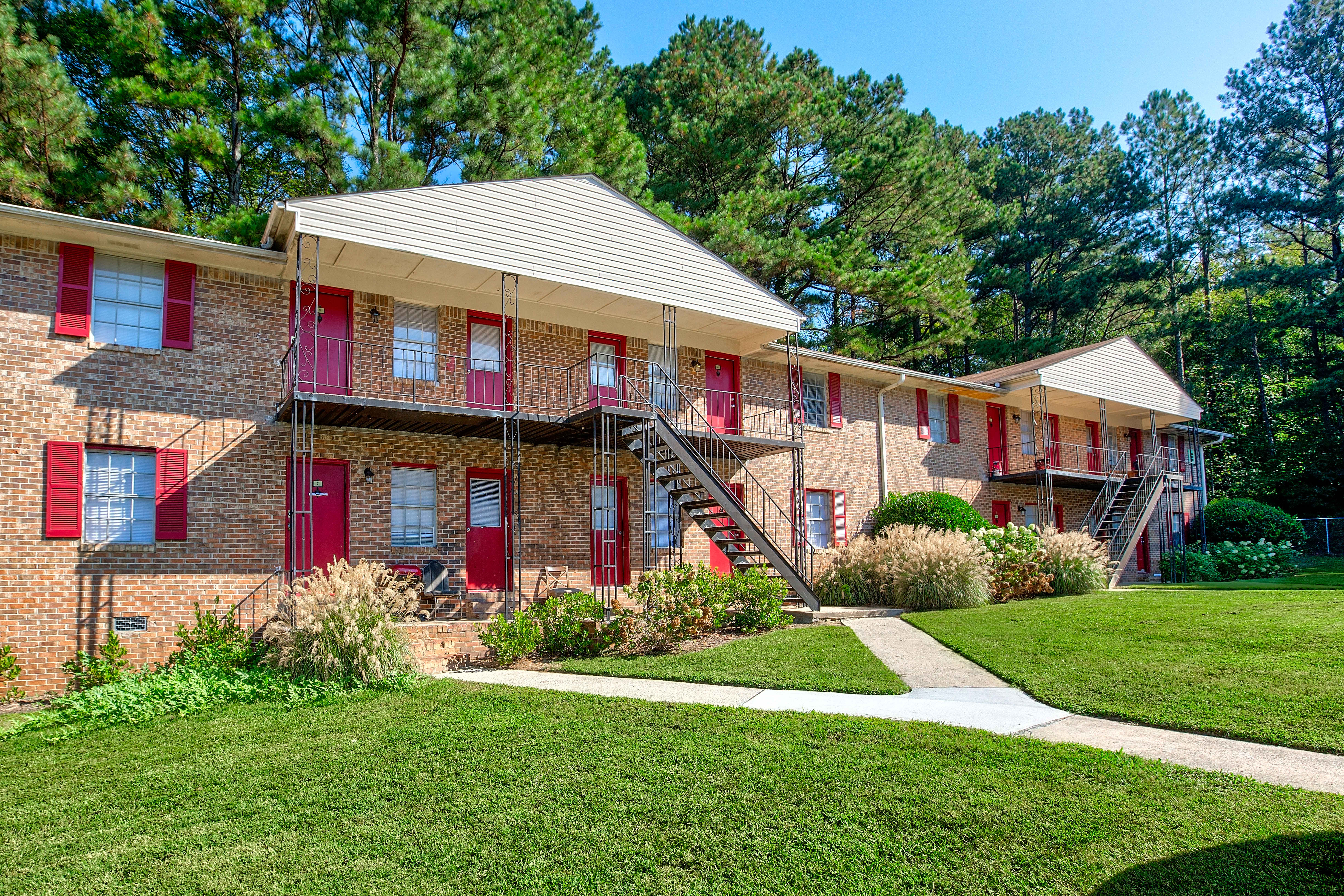 Apartments Near Clayton  State Willow Park Apartments for Clayton  State University Students in Morrow, GA