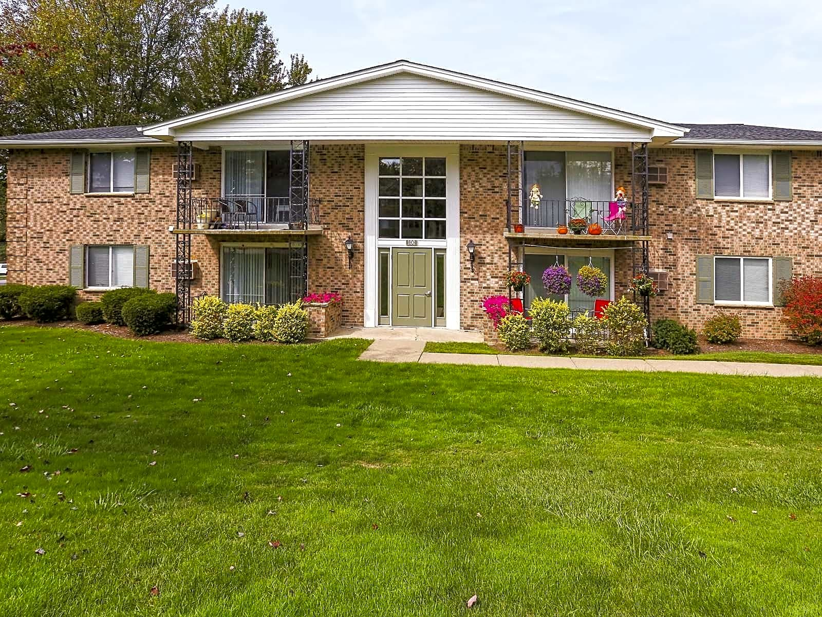 Apartments Near Hilbert Armor Heights for Hilbert College Students in Hamburg, NY