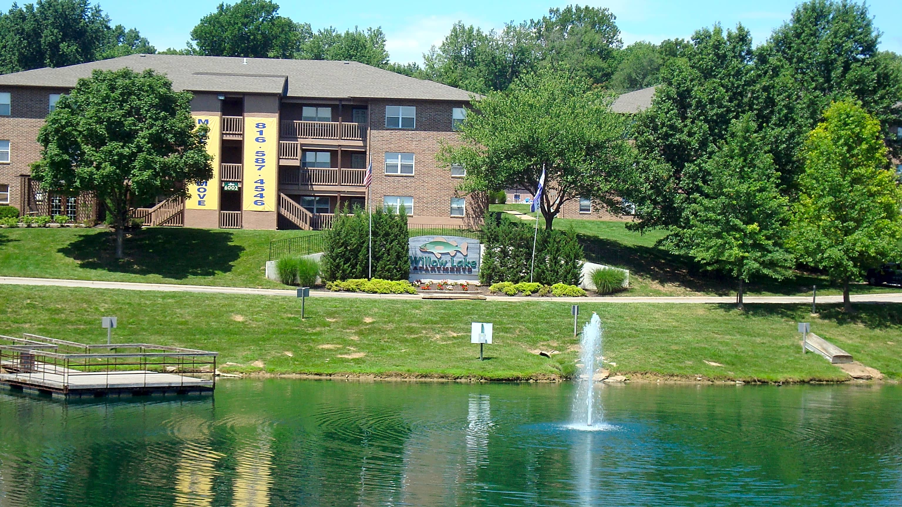 Apartments Near Park Willow Lake Apartments for Park University Students in Parkville, MO