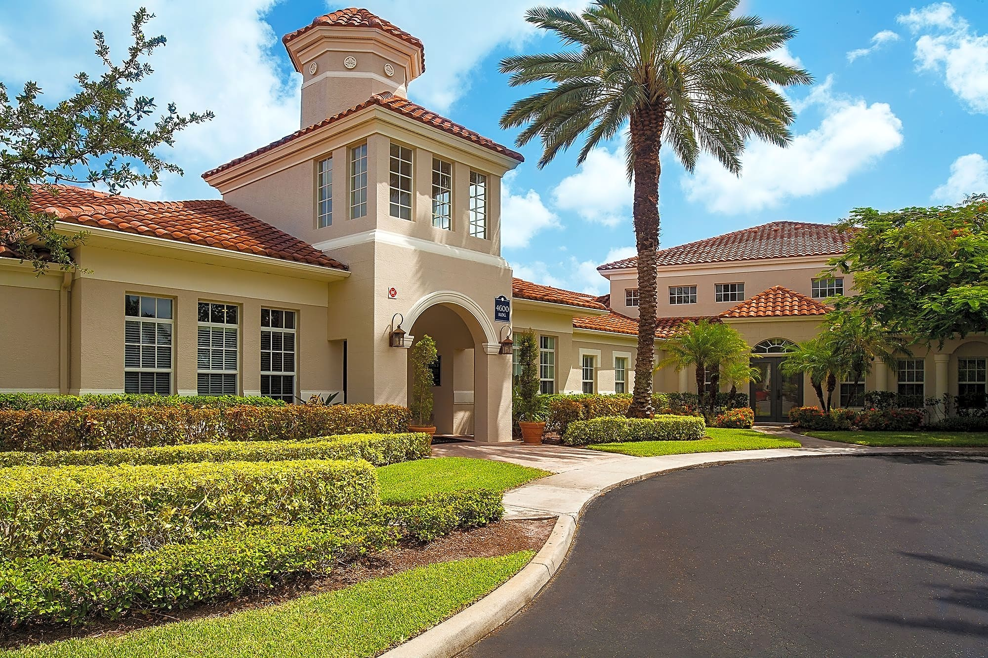 Golden Lakes Apartments West Palm Beach