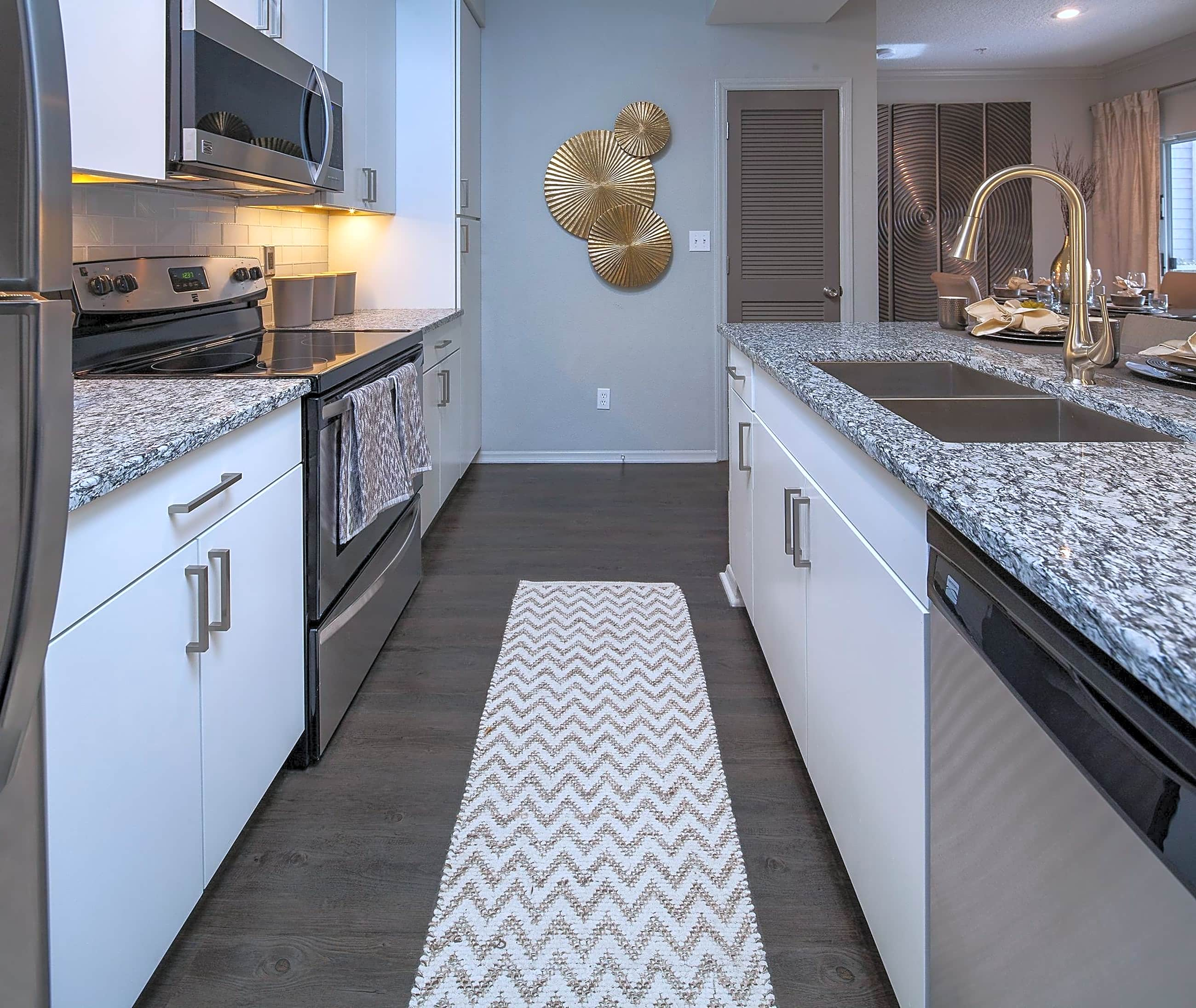 Southpoint Apartments: The Hamptons At Research Triangle Park By Cortland
