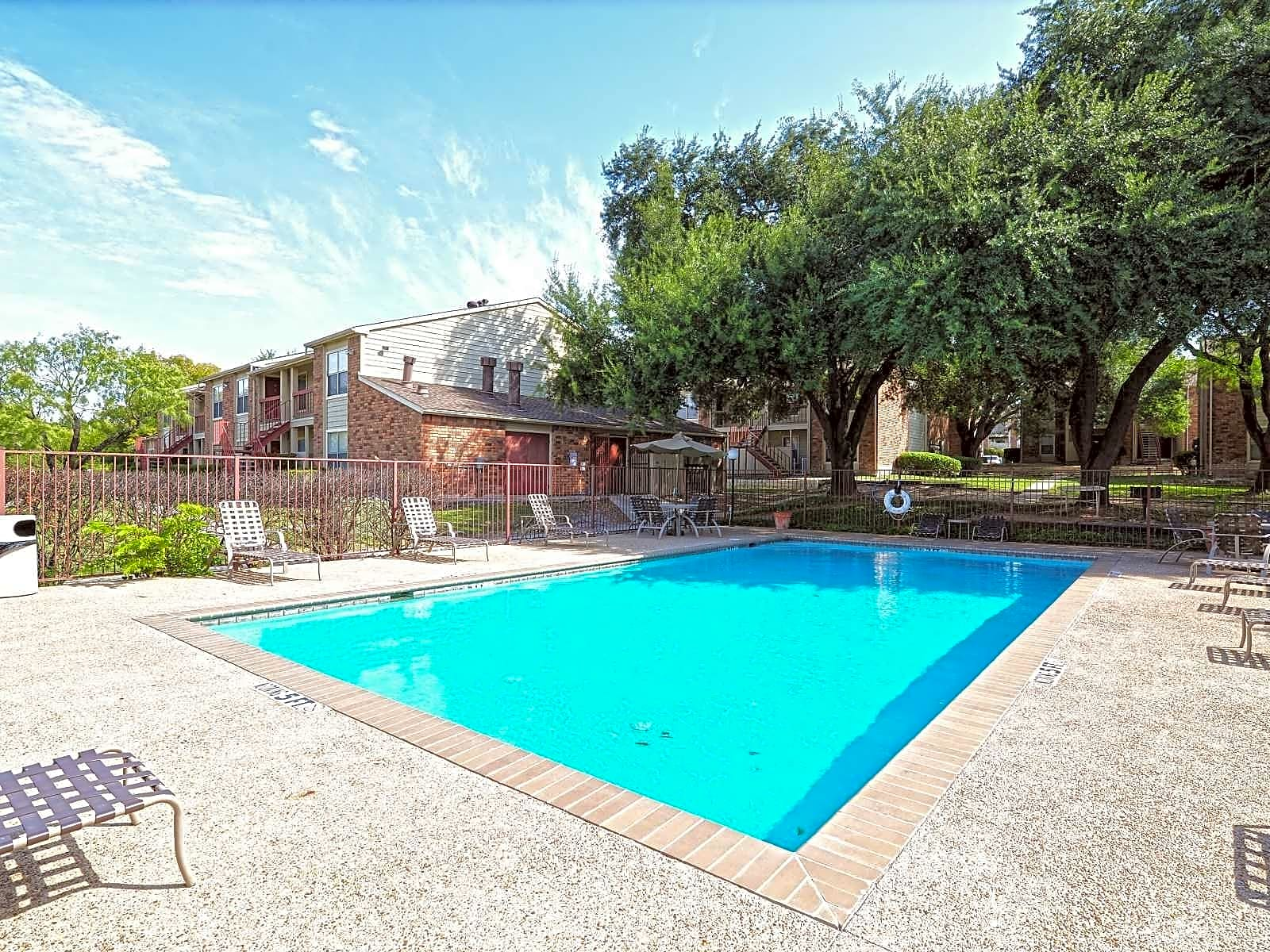 Student Apartments Near UTSA | College Student Apartments