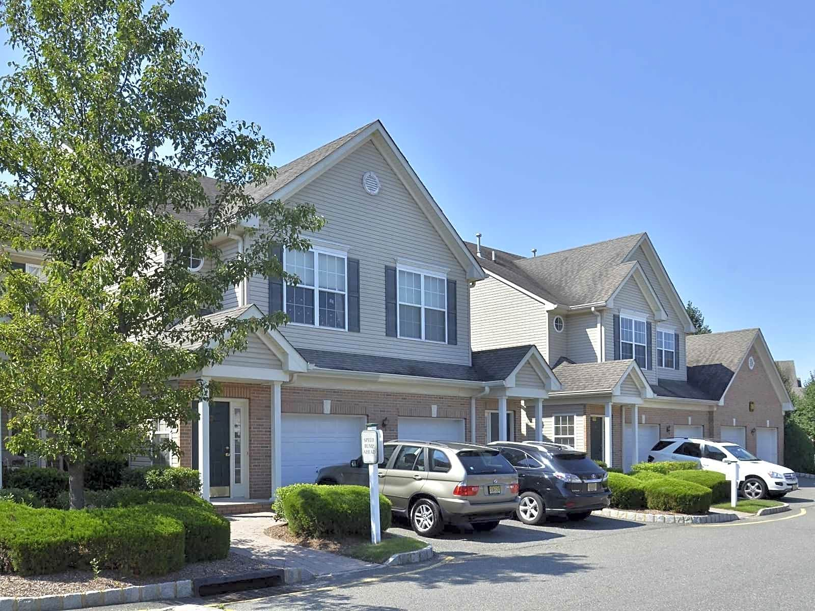 Apartments Near Drew Riverbend at Florham Park for Drew University Students in Madison, NJ