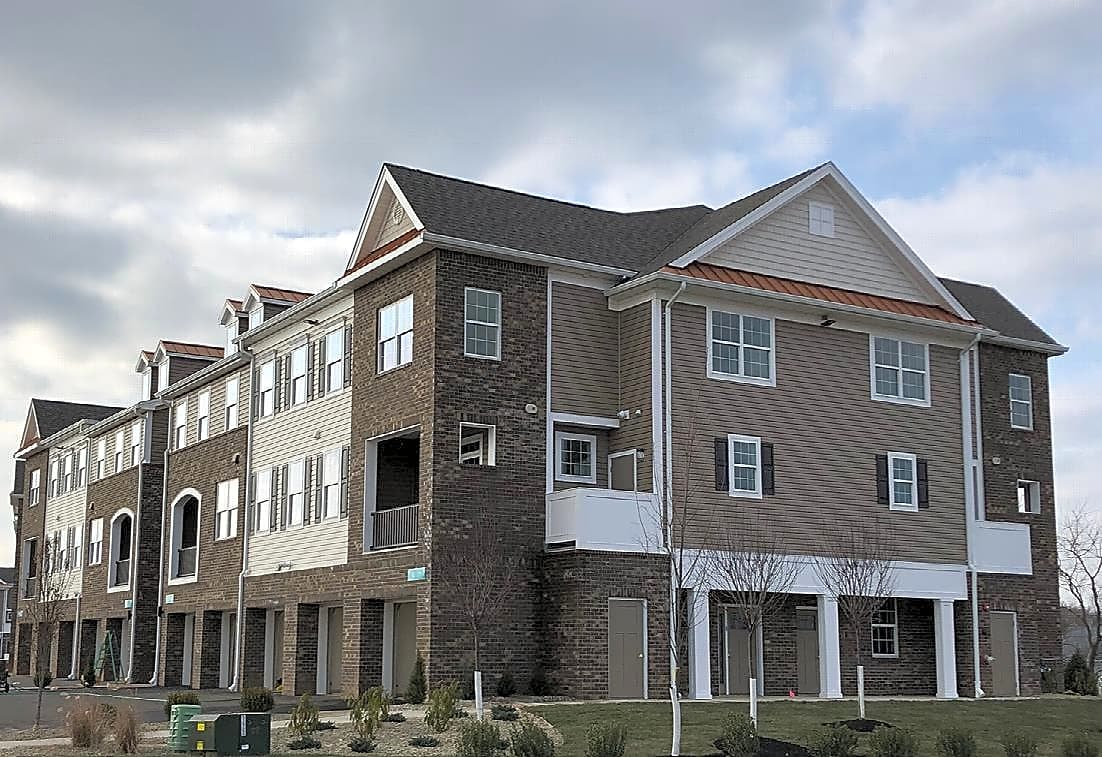 Apartments Near TCNJ River Links for College of New Jersey Students in Ewing, NJ