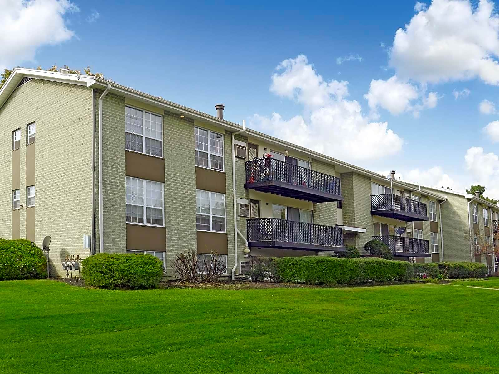Apartments Near F & M Mayfair Manor for Franklin & Marshall College Students in Lancaster, PA