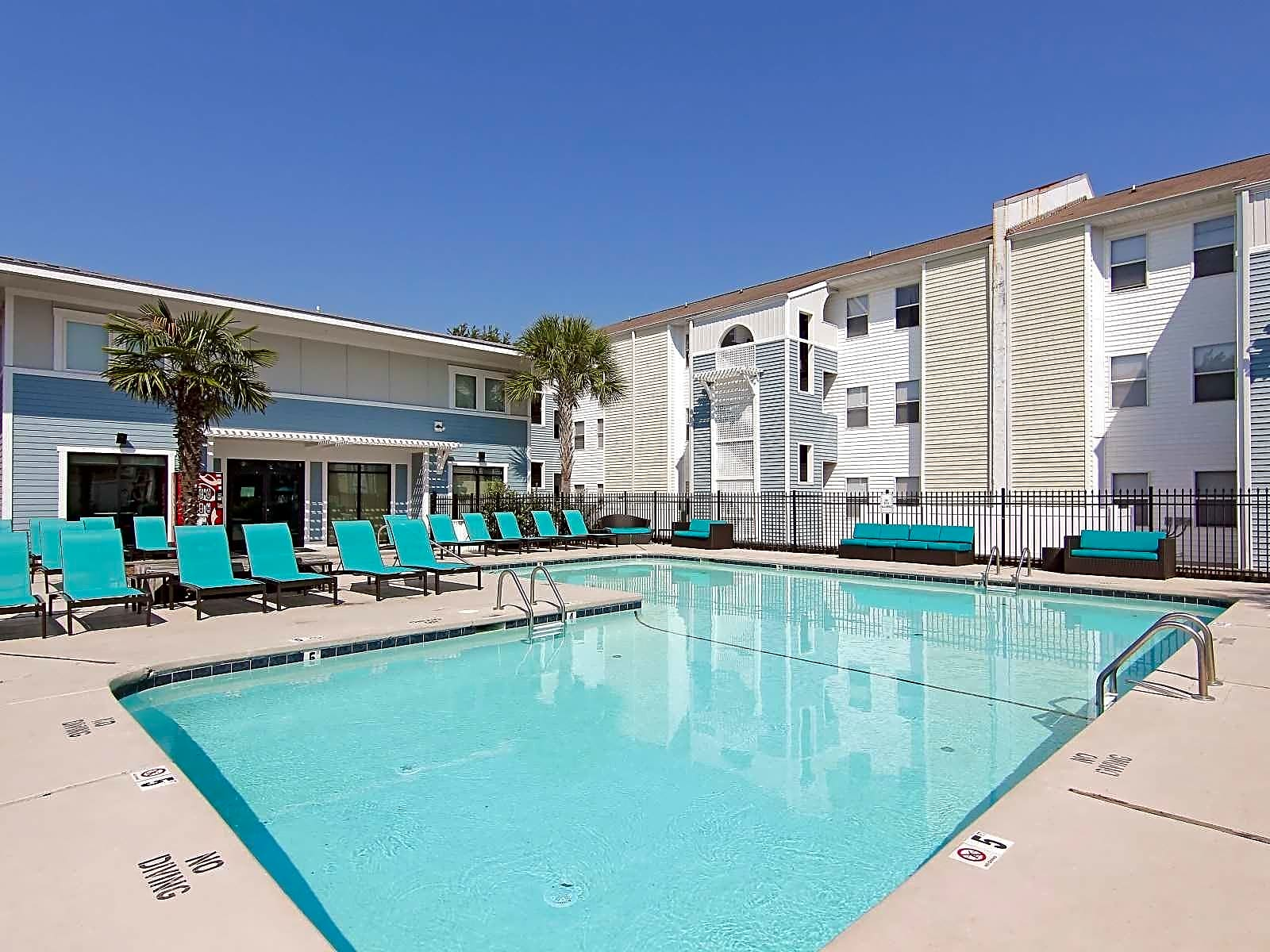 Apartments Near UNCW CEV Wilmington - PER BED LEASE for University of North Carolina-Wilmington Students in Wilmington, NC