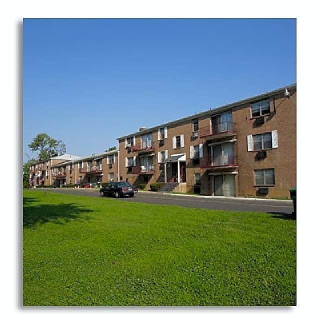 Pet Friendly Apartments In Levittown, PA