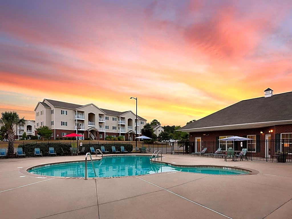 Apartments Near Fayetteville Ardmore Pointe for Fayetteville Students in Fayetteville, NC