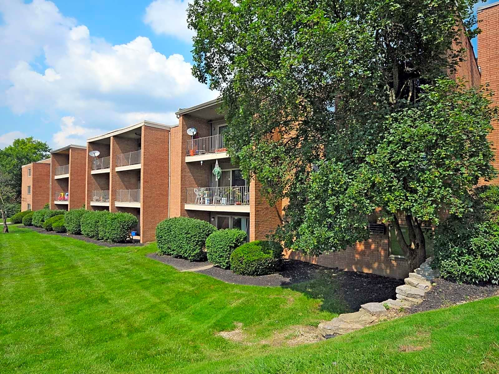 Apartments Near Thomas More Crown Pointe for Thomas More College Students in Crestview Hills, KY