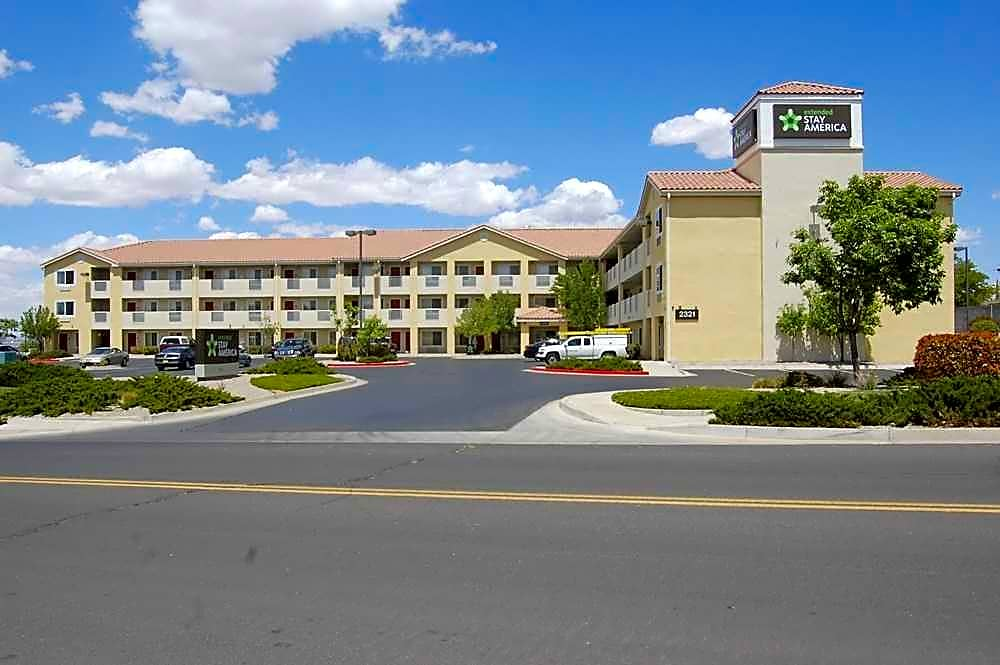 Apartments Near New Mexico Furnished Studio - Albuquerque - Airport for University of New Mexico Students in Albuquerque, NM