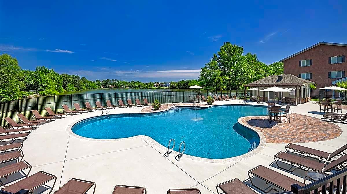 Lakeside Pool and Sundeck with Wi-Fi