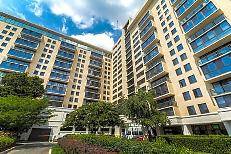 Triangle Towers Apartments for rent in Bethesda