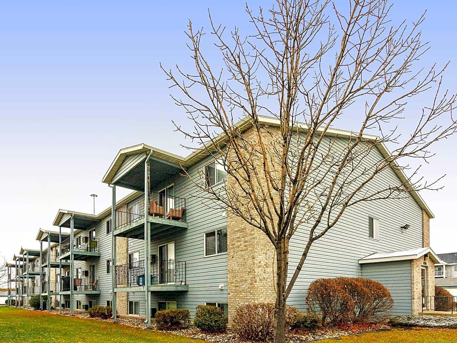 Apartments Near NDSU Westmore Court Apartments for North Dakota State University Students in Fargo, ND