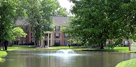 Fountain Lake Apartments for rent in Fort Wayne