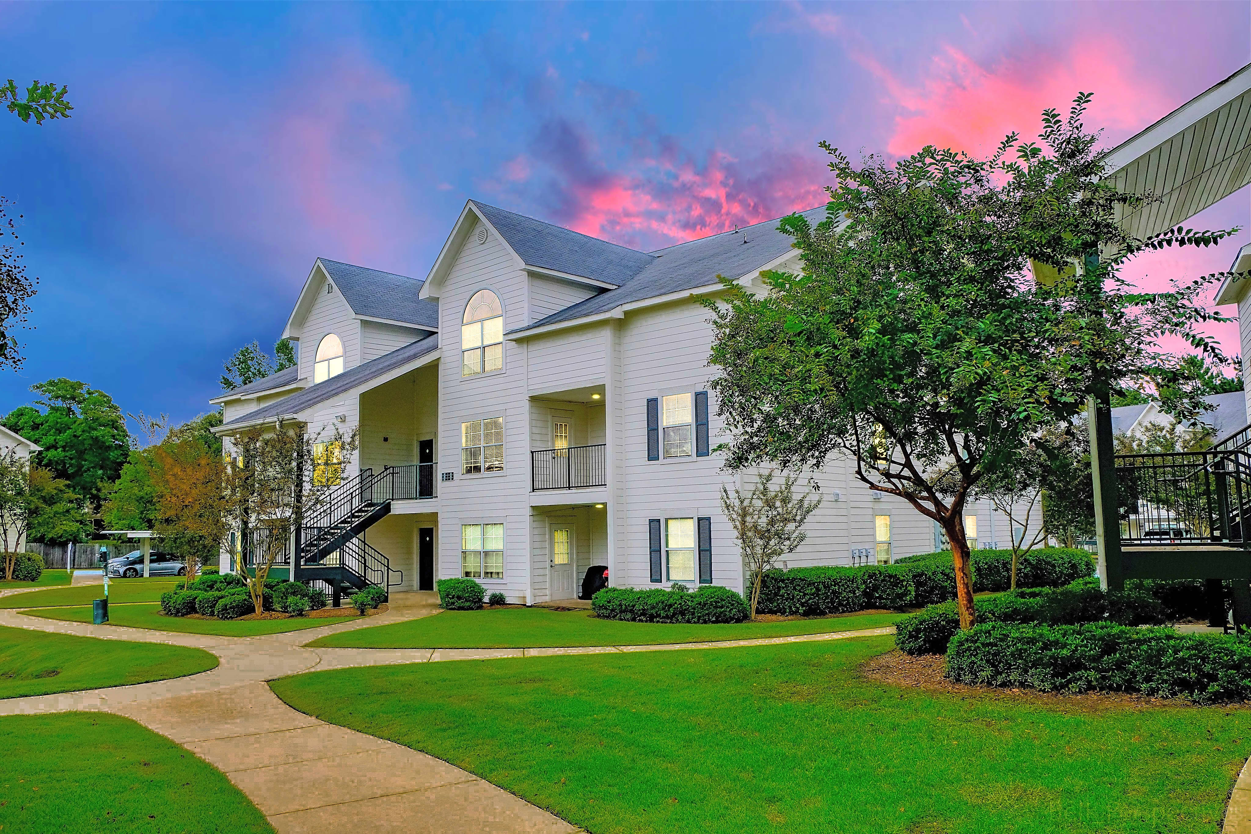 Apartments Near ULM Ashford Place for University of Lousiana at Monroe Students in Monroe, LA
