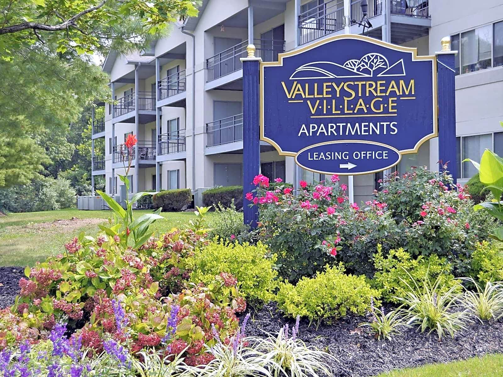 Apartments Near Delaware Valley Stream Village Apartments for University of Delaware Students in Newark, DE