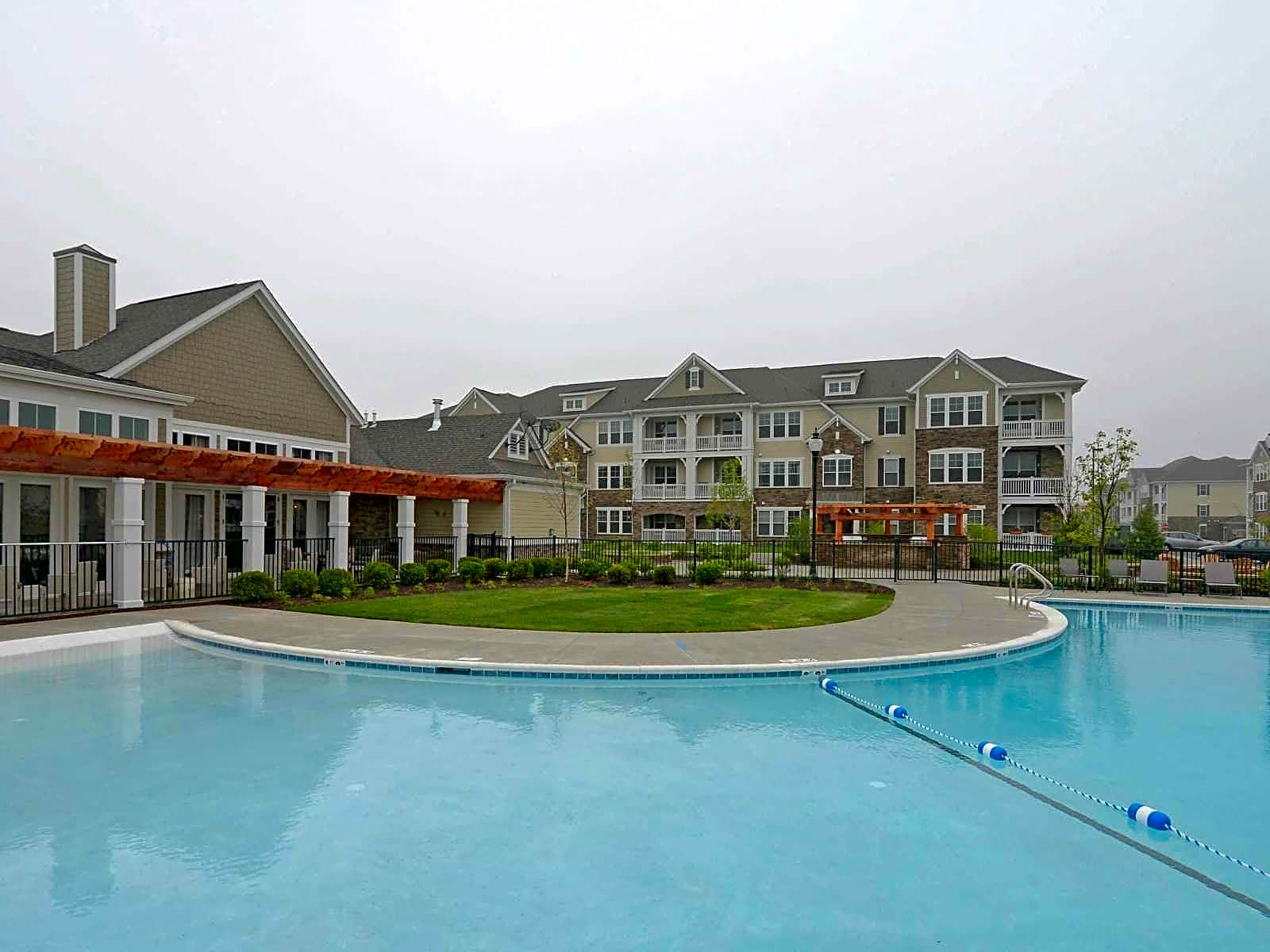 Apartments Near Aurora Tapestry Naperville for Aurora University Students in Aurora, IL