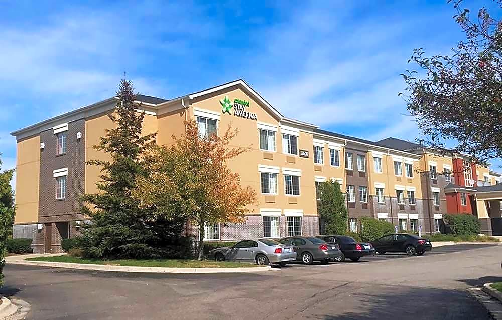 Apartments Near Lawrence Tech Furnished Studio - Detroit - Southfield - Northwestern Hwy. for Lawrence Technological University Students in Southfield, MI