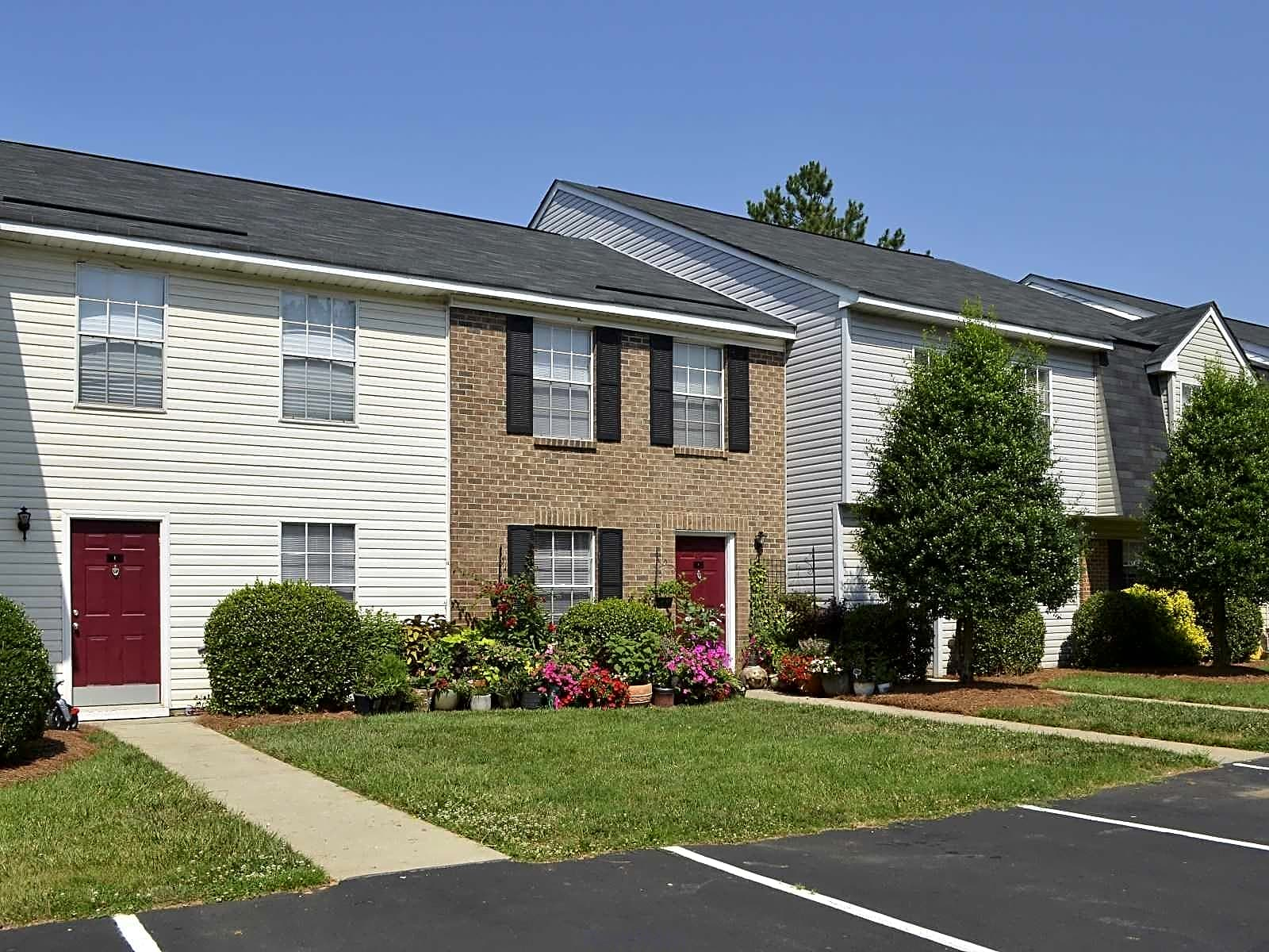 Photo: Greensboro Apartment for Rent - $939.00 / month; 3 Bd & 2 Ba