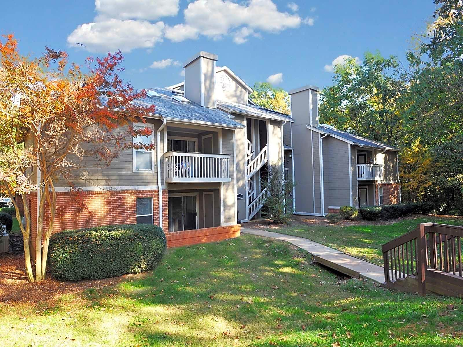 Apartments Near Guilford Hunters Chase for Guilford College Students in Greensboro, NC