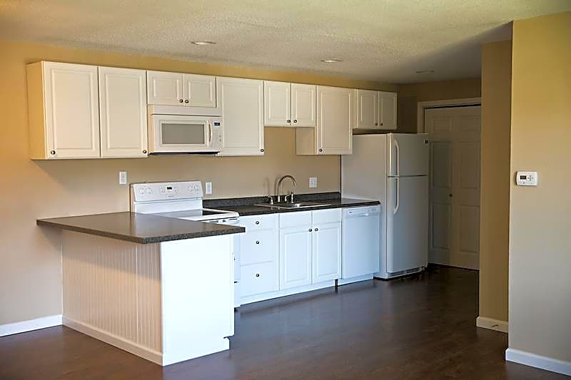 Apartments Near Hilbert Holiday Meadows for Hilbert College Students in Hamburg, NY