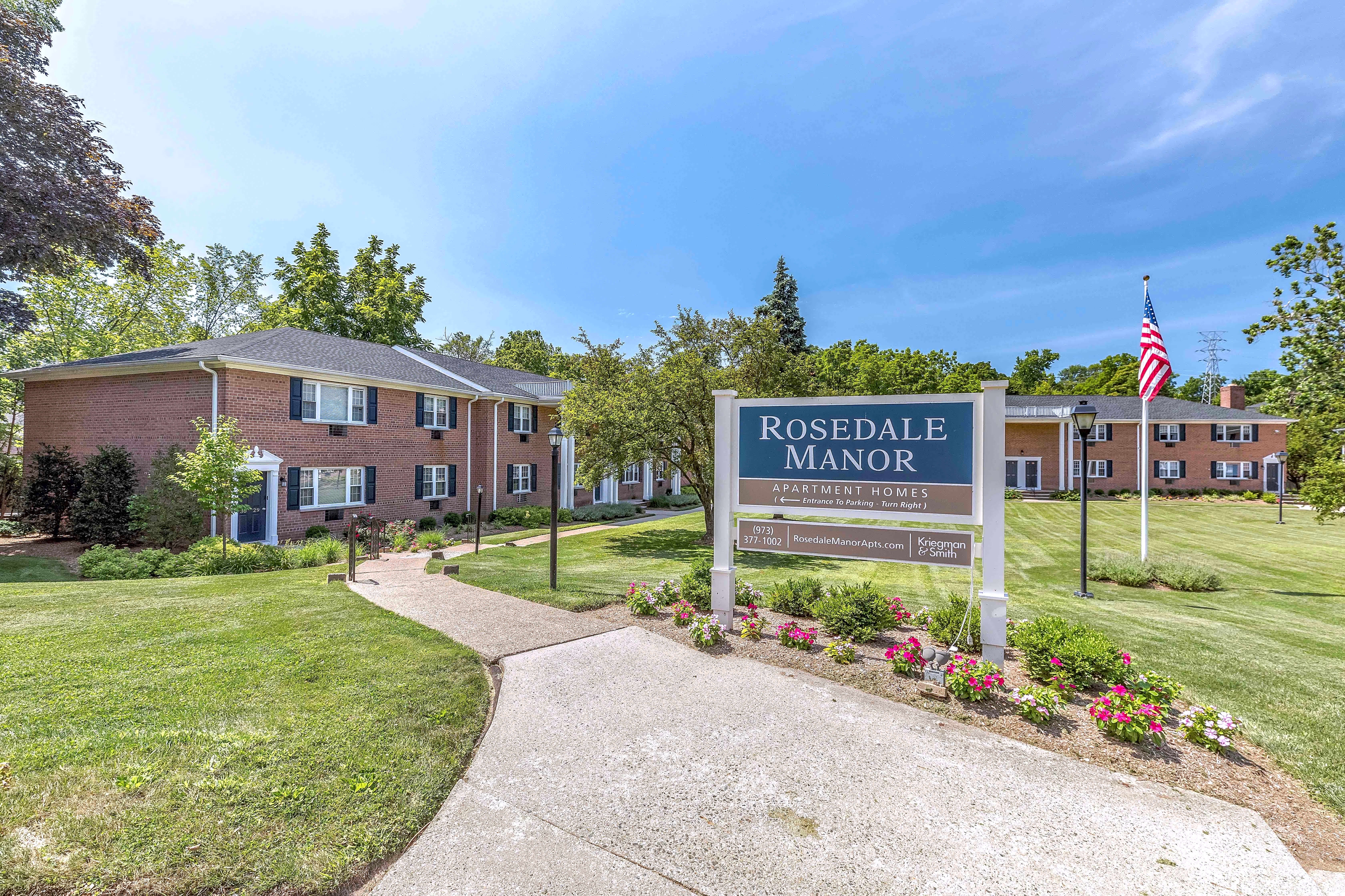 Apartments Near Drew Rosedale Manor for Drew University Students in Madison, NJ