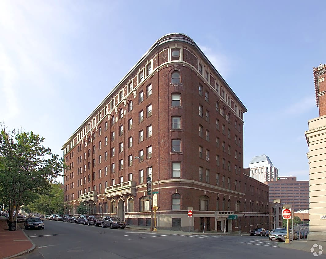 SilverBrick Square Apartments - Springfield, MA 01103