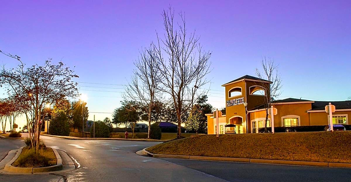 Apartments Near NWF State Bel Aire Terrace for Northwest Florida State College Students in Niceville, FL