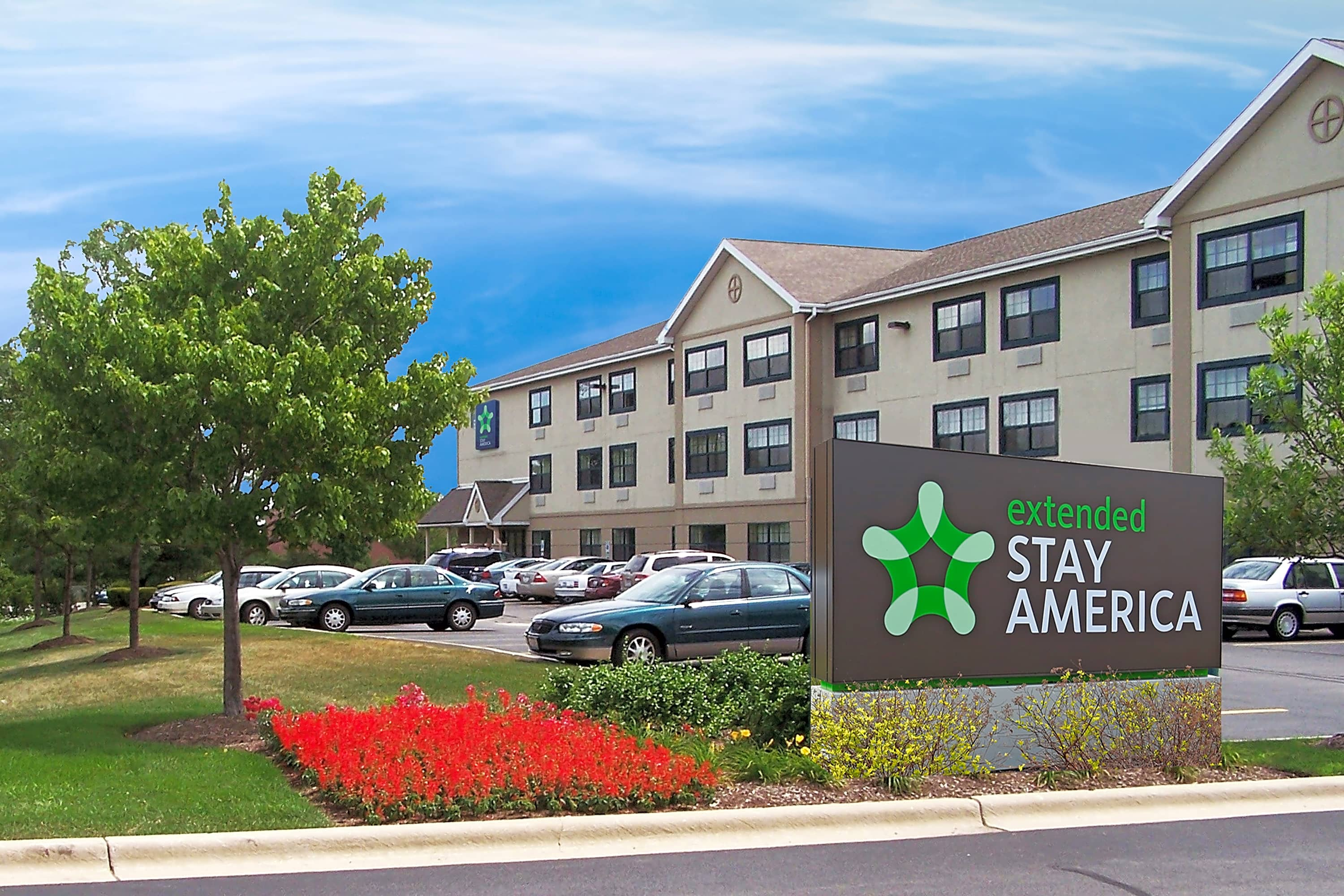 Apartments Near PCCTI IT and Healthcare Furnished Studio - Chicago - Burr Ridge for PCCTI IT and Healthcare Students in Oak Brook, IL