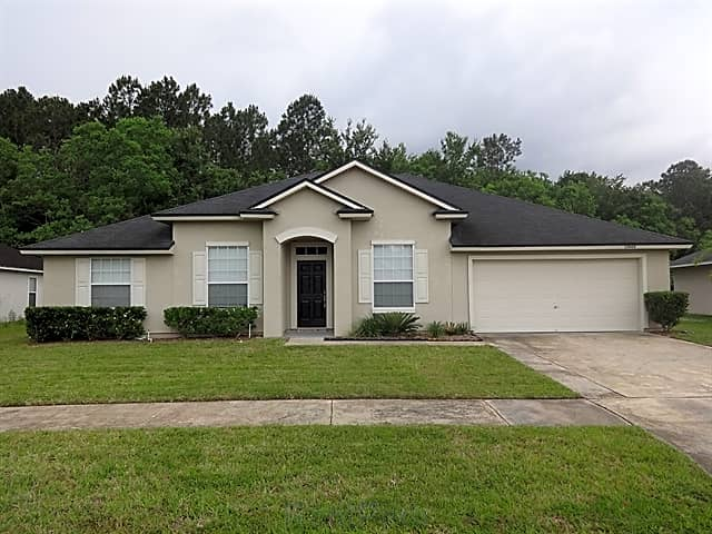This 2,048 square foot single family home has 4 be