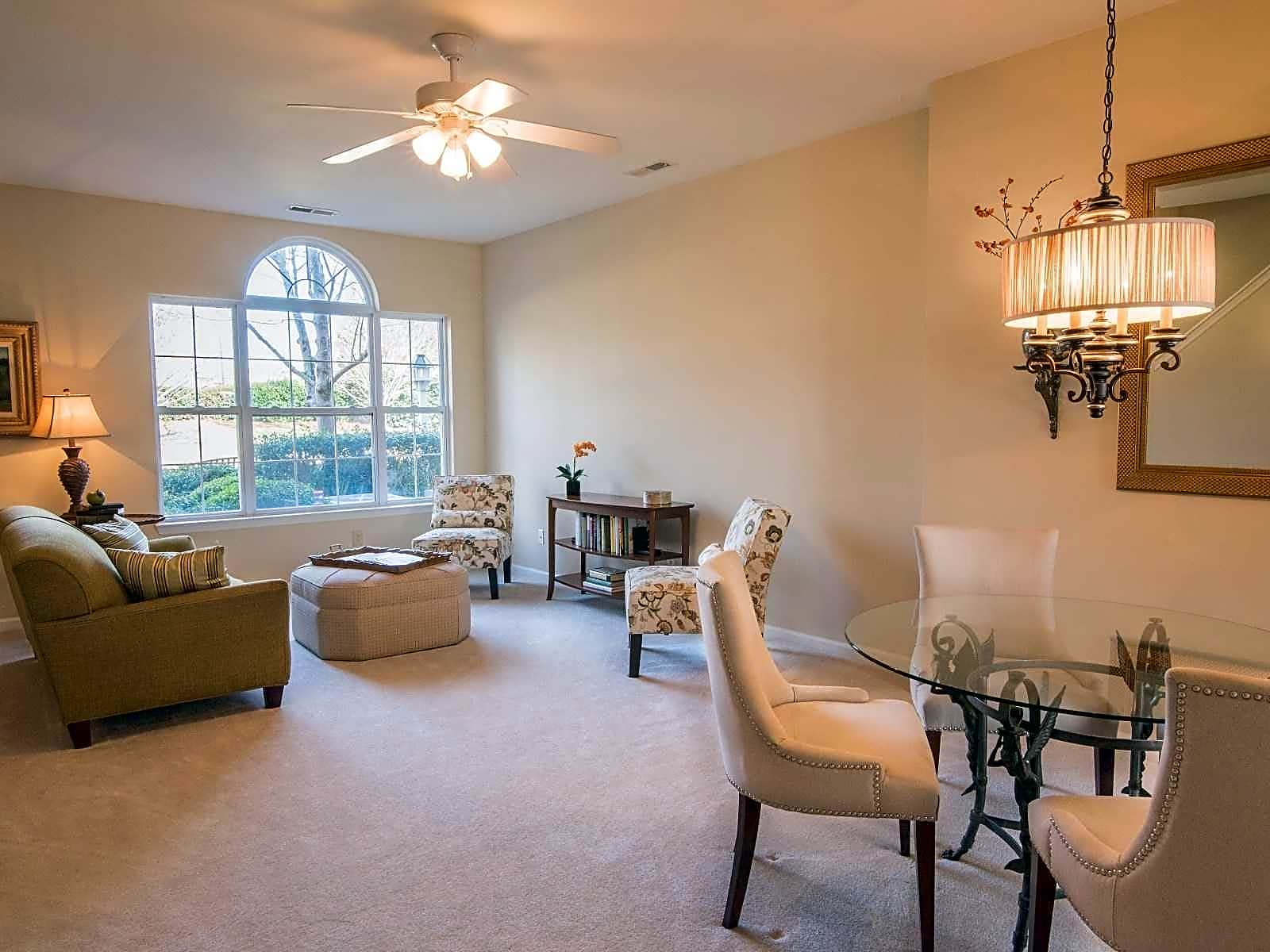 Apartments Near UNCW Barclay Place for University of North Carolina-Wilmington Students in Wilmington, NC