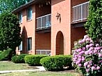Twin Lakes Manor Apartments