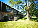 Green Oaks Apartments