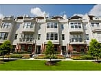 Tantalizing 3 bedroom townhome in the Museum Di...