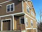 Nice 2 bed 3.5 bath Townhome!
