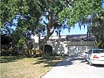 Gorgeous 4 bdrm seasonal/vacation home